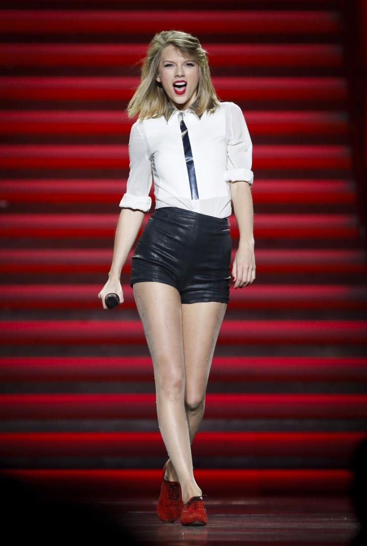 Taylor Swift Reveals First Single Shake It Off For 1989 Album Video