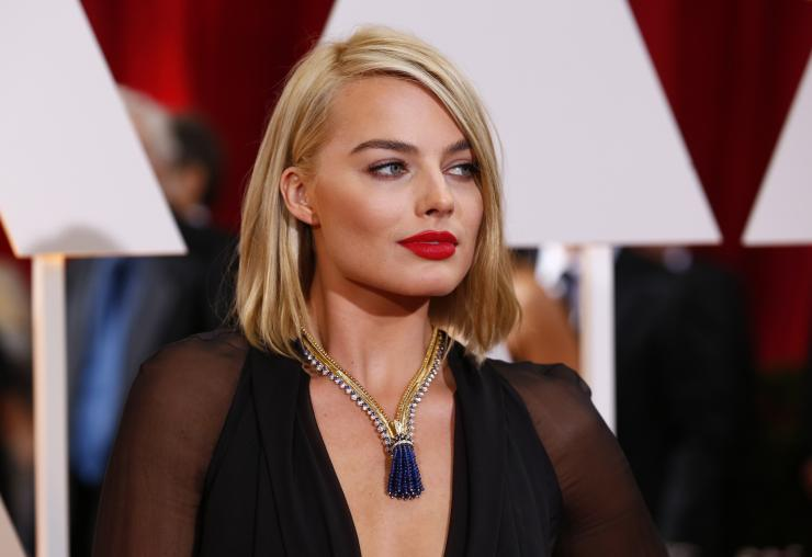 87th Academy Awards Margot Robbie Debuts New Short Haircut Wears Usd 1 5 Million Neckpiece To The Event