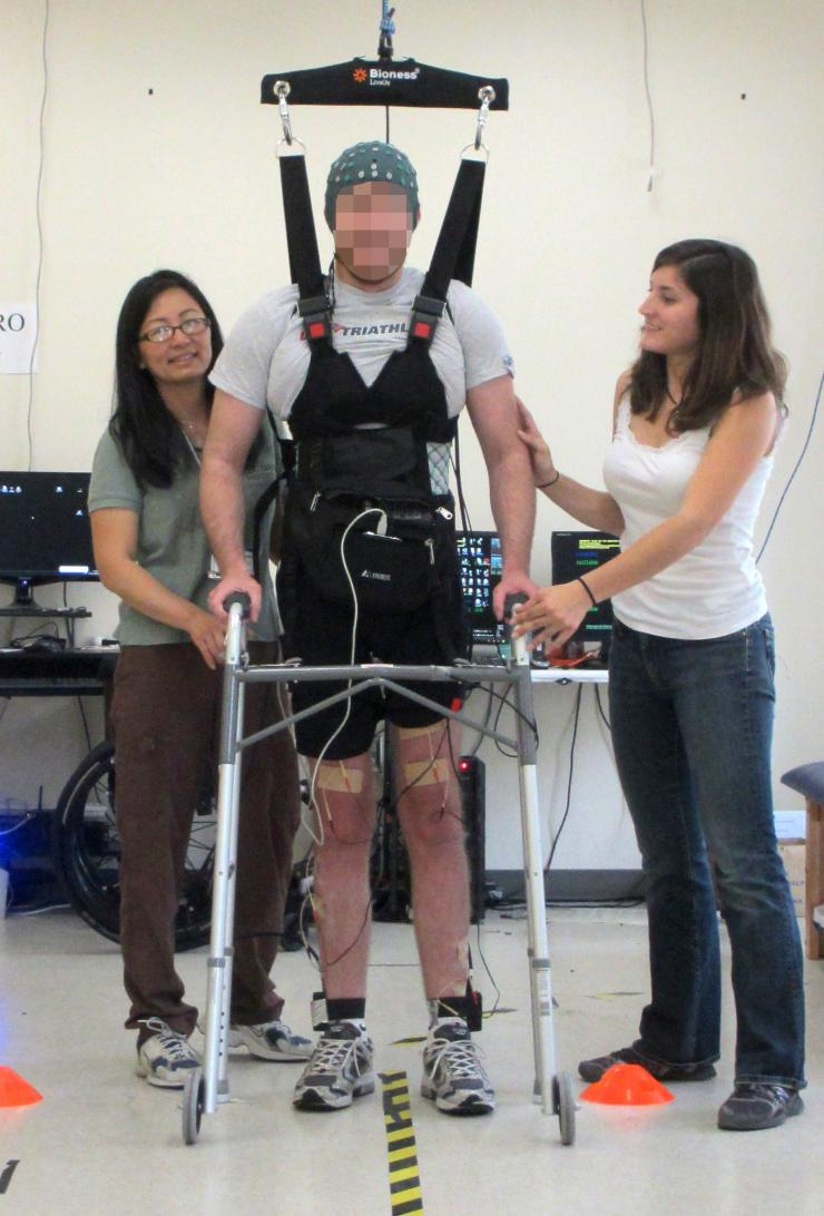 uci-brain-computer-interface-enables-paralyzed-man-to-walk