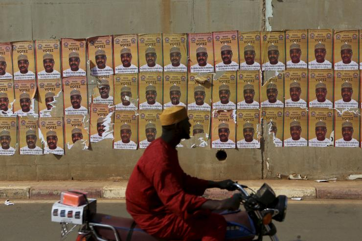 Niger election posters
