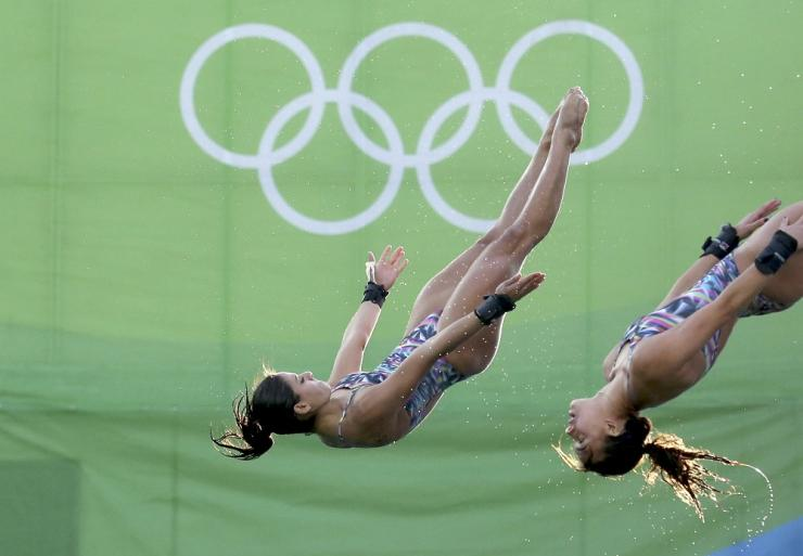 Ingrid Oliveira and Giovanna Pedroso of Brazil compete in the WomenÕs News Photo - Getty Images