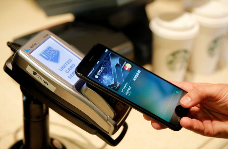 Apple Pay wins deal with 31 Australian banks, credit unions