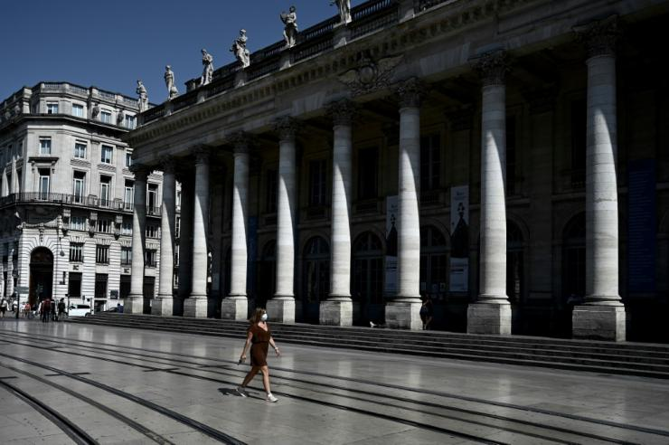 Bordeaux is facing new curbs to limit publi gatherings as infections soar in France