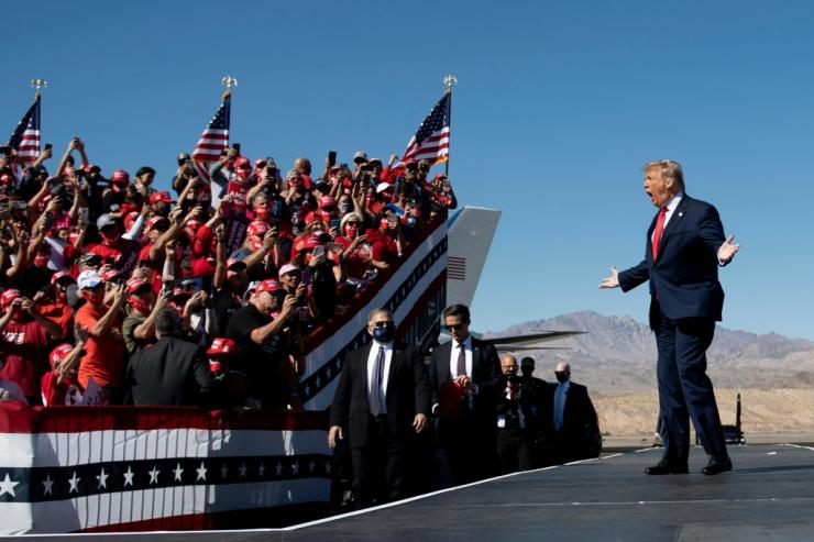 US President Donald Trump campaigns in Arizona, promising a Republican victory