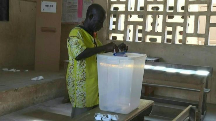 IMAGES Polling stations open in Côte d'Ivoire for presidential elections after a campaign marked by inter-community violence. Two of the four candidates are boycotting the vote OVER President Alassane Ouattara's contested attempt to secure a third term.