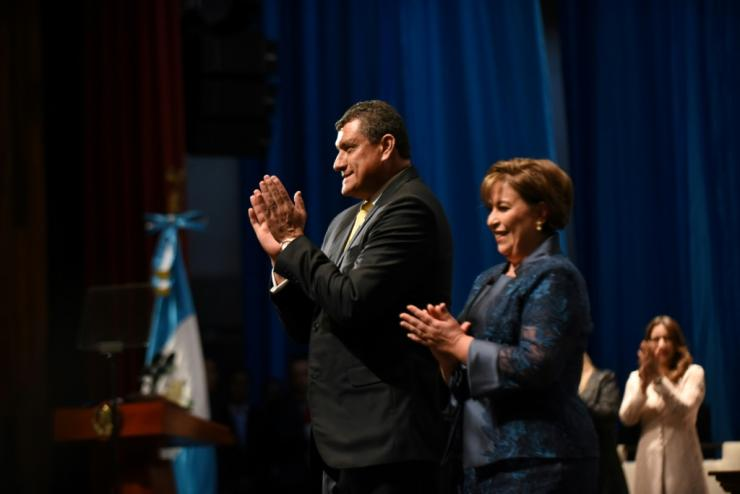 "Guatemalan Vice-President Guillermo Castillo (L)on Friday urged the country's president to resign ""for the good of the country"