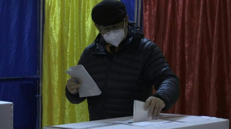 IMAGES Romanians began voting in parliamentary elections, with the governing pro-European liberals tipped to win despite criticism over their handling of the coronavirus pandemic.