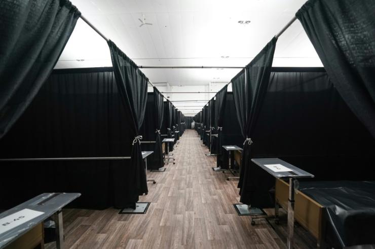 New York City set up a temporary field hospital to cope with the flow of Covid patients