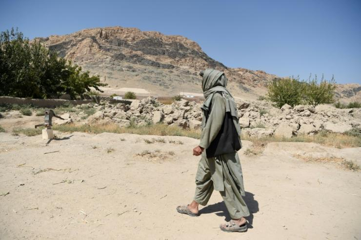Hundreds of Taliban fighters have defected from the group, but it still has tens of thousands of members