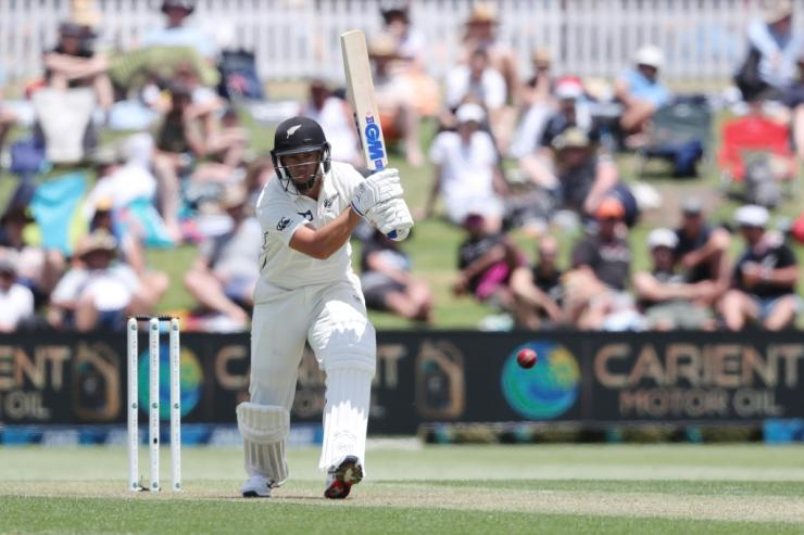Ross Taylor put his recent run of modest scores behind him, posting his 34th half century