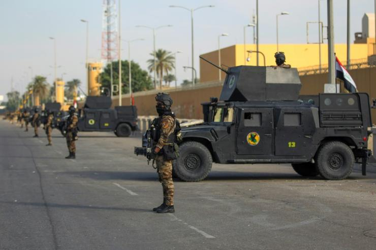 On January 2, 2020, Iraqi anti-terrorism forces are guarding in front of the U.S. Embassy in the capital Baghdad.