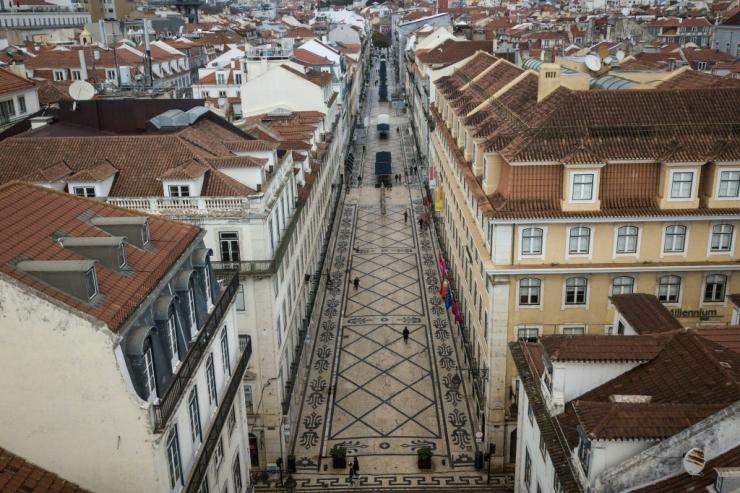 Lisbon streets have been almost empty during a second coronavirus lockdown ahead of the presidential election