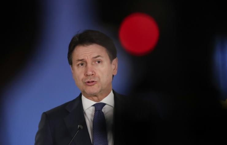 Media reports suggest Giuseppe Conte will seek a mandate to form a new government to replace a ruling coalition has been on the edge of collapse