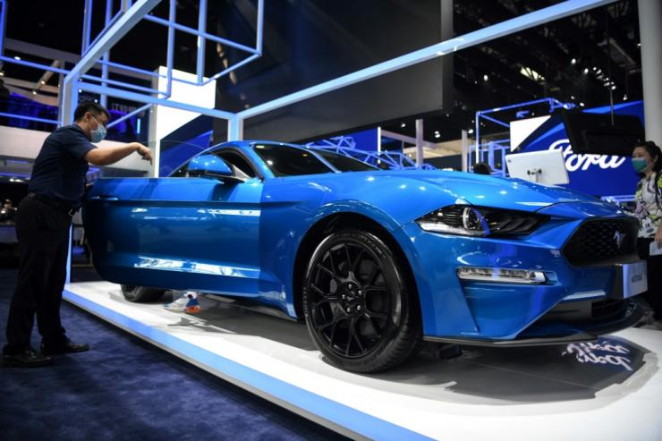 Ford Motor Co will be using Google cloud computing services for its connected vehicles and to help improve factory efficiency
