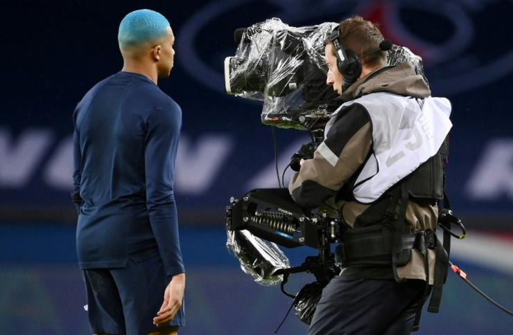 The collapse of a record tv deal with Mediapro has left French clubs on the brink financially