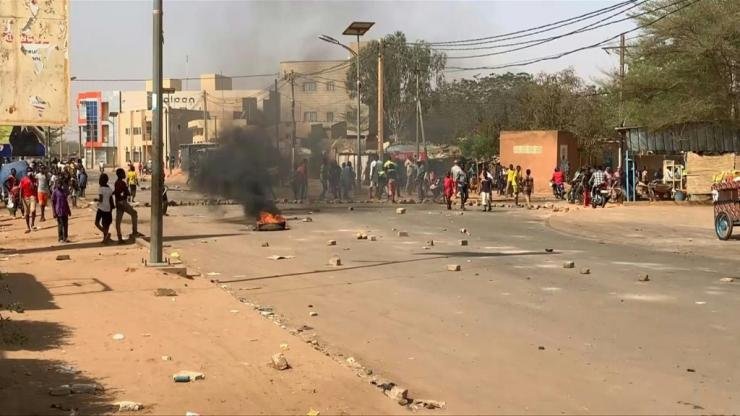 New violence breaks out after official results bring victory to Mohammed Bazoum