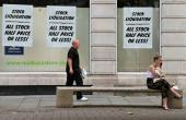 Virus Pushes Britain Into Record Recession, NZealand Mulls Election Delay